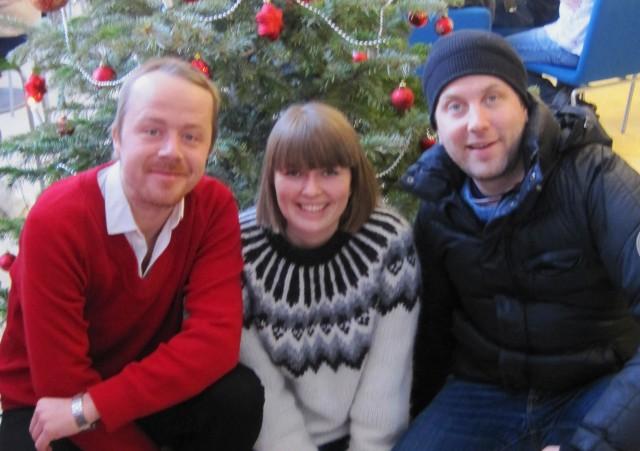 GOD JUL til alle Bestevenn-vennar frå Erlend, Steinjo og produsent-Maria. Foto: Kristoffer Rambøl