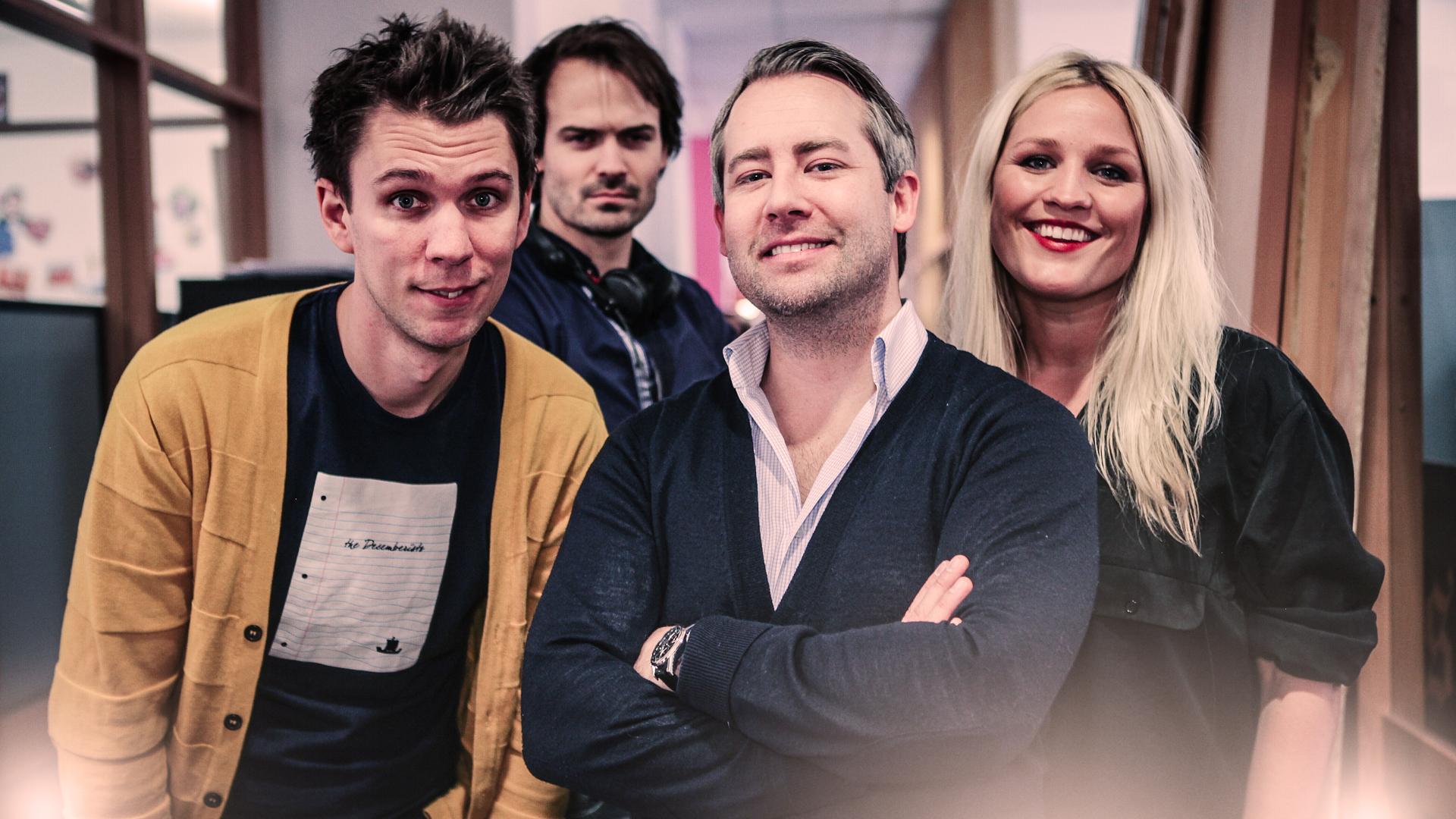 Øyvinds redaksjon: Torkil Risan (programleder), Wolfgang Wee (manusforfatter), Øyvind Thoen (prosjektleder) og Maria Bodøgaard (kjendisregissør) (Foto: NRK P3).