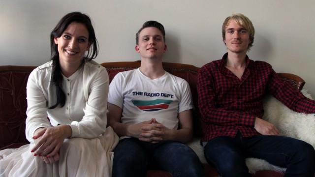 Tôg hjemme i sofaen. (Foto: Katrine Opdahl, NRK P3)
