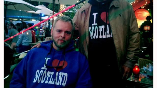 Tore og Bjarte i Skottland (Foto: Vilde Batzer, NRK P3).