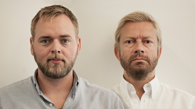 Tore Sagen og Bjarte Tjøstheim er vikarer i Steinar og Bjørns bærbare fredagsparty fredag 10. mai (Foto: Kristoffer Pettersen Rambøl, NRK P3).