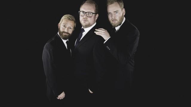 Bjarte, Steinar og Tore har pynta seg (Foto: Kim Erlanden, NRK P3).