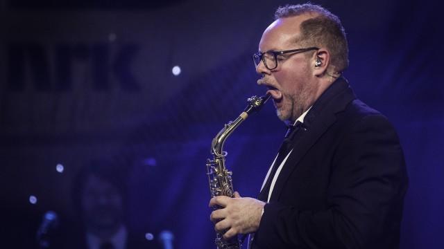 Steinar spiller saxofon (Foto: Tom Øverlie, NRK P3).
