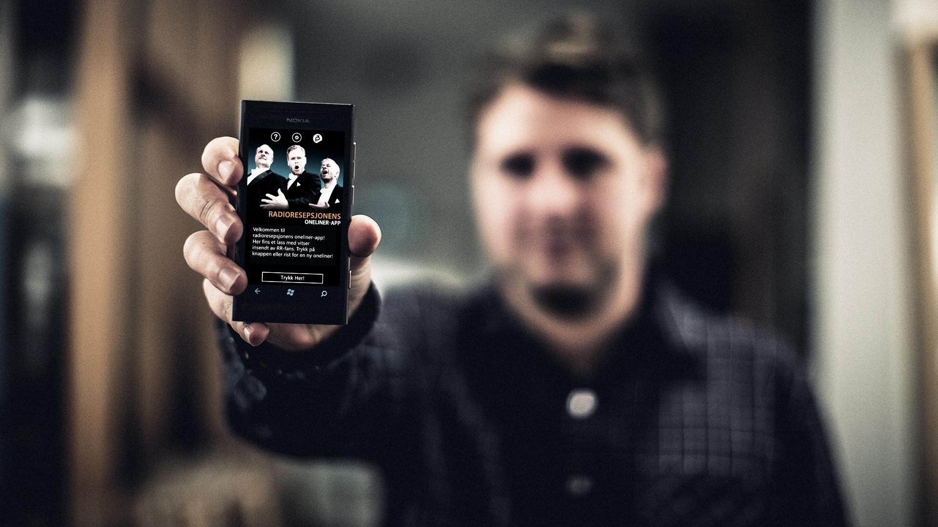 Radioresepsjonens oneliner-app på en Windows-telefon (Foto: Kim Erlandsen, NRK P3).