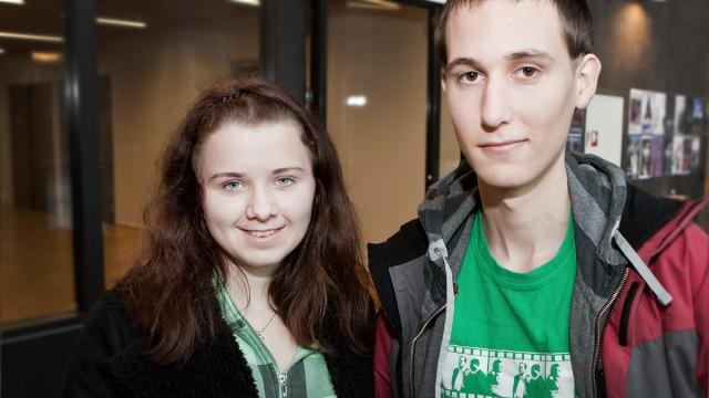 Ingar Jakob Feiring og Janne Karlsen er elever ved Fyrstikkalleen skole. (Foto: Rashid Akrim, NRK P3)