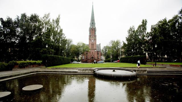"""Pissoarer er populære møtesteder. Ved Sofienberg kirke finner pissoaret """"Lille Versailles"""" (Foto: Scanpix)"""